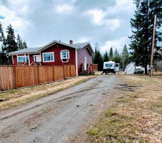 """Photo 3: 5685 BENDIXON Road in Prince George: Pineview House for sale in """"PINEVIEW"""" (PG Rural South (Zone 78))  : MLS®# R2574911"""