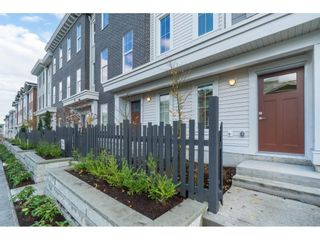 """Photo 3: 25 8370 202B Street in Langley: Willoughby Heights Townhouse for sale in """"Kensington Lofts"""" : MLS®# R2517142"""