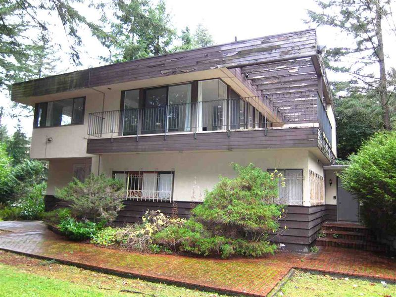 FEATURED LISTING: 1969 DRUMMOND Drive Vancouver