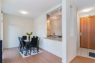"Photo 9: 2104 1189 MELVILLE Street in Vancouver: Coal Harbour Condo for sale in ""THE MELVILLE"" (Vancouver West)  : MLS®# R2551887"