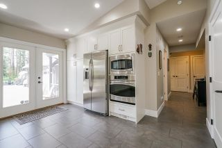 Photo 13: 23532 DOGWOOD Avenue in Maple Ridge: East Central House for sale : MLS®# R2572652