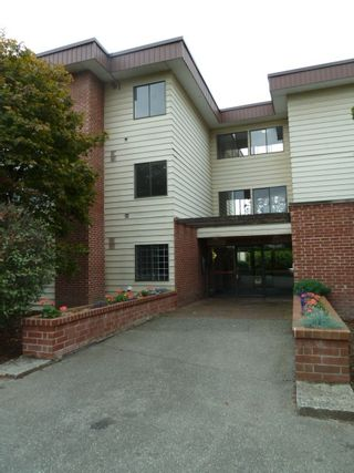 """Photo 1: 207 1909 SALTON Road in Abbotsford: Central Abbotsford Condo for sale in """"FOREST VILLAGE (BIRCHWOOD BUILDING)"""" : MLS®# R2106786"""
