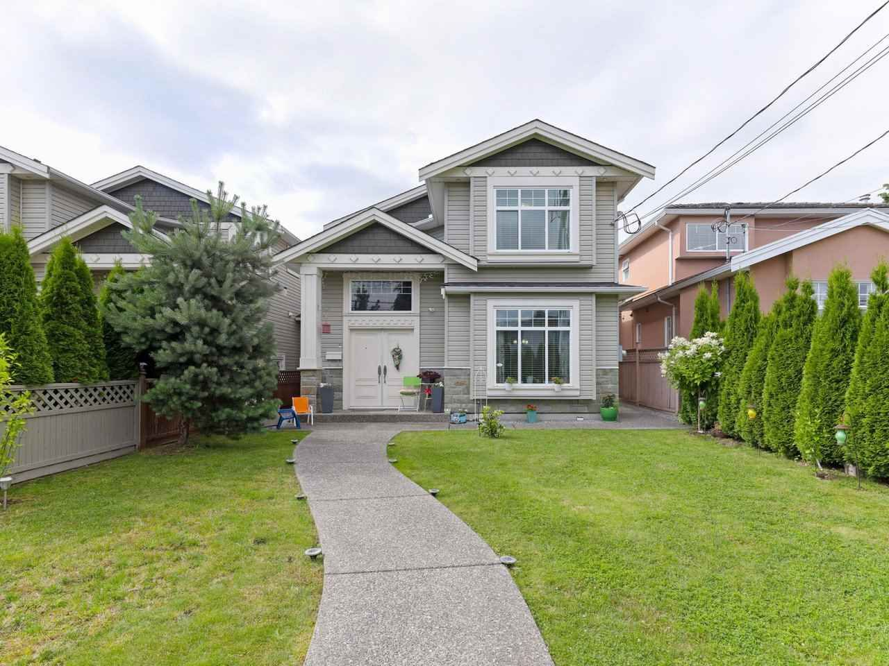 Main Photo: 7115 10TH Avenue in Burnaby: Edmonds BE 1/2 Duplex for sale (Burnaby East)  : MLS®# R2480070
