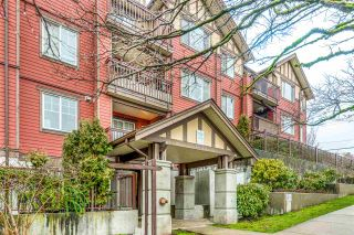 """Photo 1: PH1 1205 FIFTH Avenue in New Westminster: Uptown NW Condo for sale in """"River Vista"""" : MLS®# R2547169"""