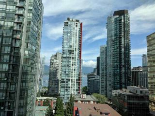 """Photo 5: 1203 1200 W GEORGIA Street in Vancouver: West End VW Condo for sale in """"RESIDENCES ON GEORGIA"""" (Vancouver West)  : MLS®# R2398739"""