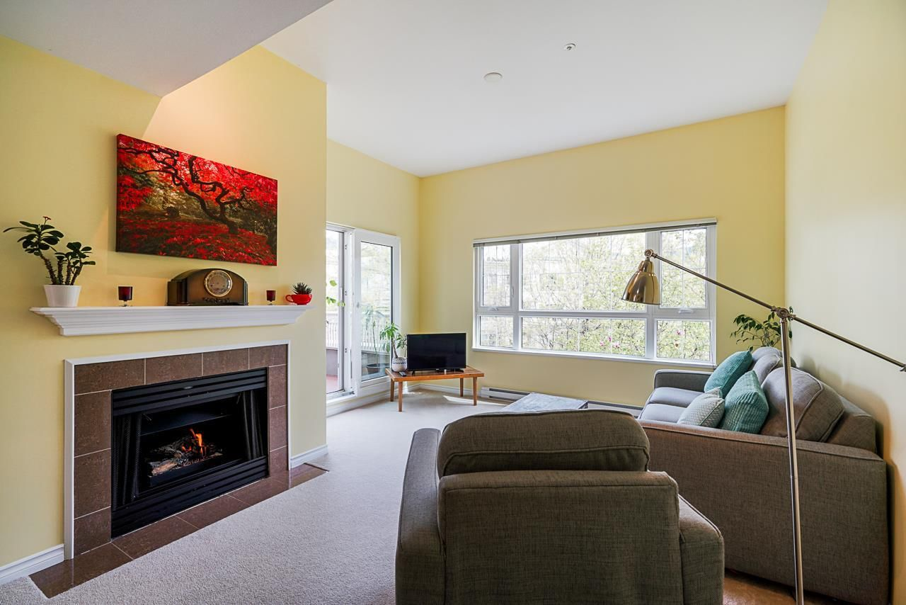 """Main Photo: 426 2980 PRINCESS Crescent in Coquitlam: Canyon Springs Condo for sale in """"Montclaire"""" : MLS®# R2577944"""
