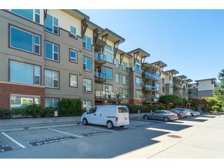 "Photo 2: 309 33539 HOLLAND Avenue in Abbotsford: Central Abbotsford Condo for sale in ""The Crossing"" : MLS®# R2489820"