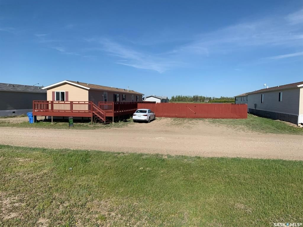 Main Photo: 90 Foord Crescent in Macoun: Residential for sale : MLS®# SK838264