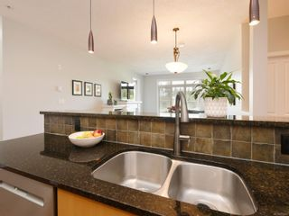 Photo 8: 305 623 Treanor Ave in : La Thetis Heights Condo for sale (Langford)  : MLS®# 874503