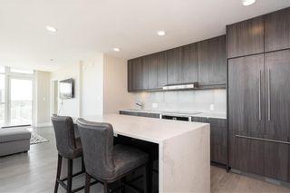 Photo 2: 806 390 Assiniboine Avenue in Winnipeg: Downtown Condominium for sale (9A)  : MLS®# 202122795