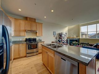 Photo 3: 7 728 GIBSONS WAY in Gibsons: Gibsons & Area Townhouse for sale (Sunshine Coast)  : MLS®# R2537940