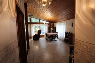 Photo 2: 7388 Estate Drive in Anglemont: North Shuswap House for sale (Shuswap)  : MLS®# 10204246