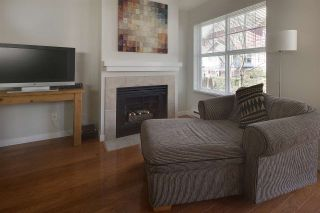 """Photo 8: 30 123 SEVENTH Street in New Westminster: Uptown NW Townhouse for sale in """"Royal City Terraces"""" : MLS®# R2052771"""