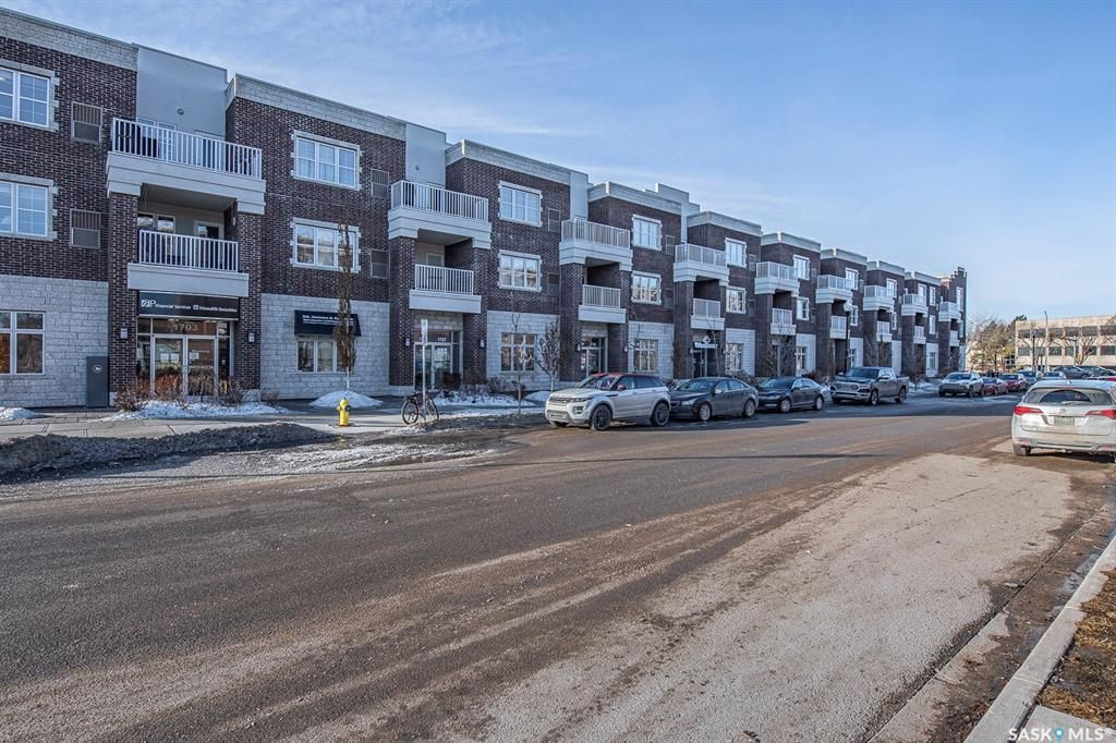 Main Photo: 323 1715 Badham Boulevard in Regina: Arnhem Place Residential for sale : MLS®# SK844900