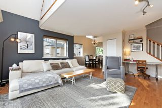 """Photo 3: 208 25 RICHMOND Street in New Westminster: Fraserview NW Condo for sale in """"FRASERVIEW"""" : MLS®# R2423119"""