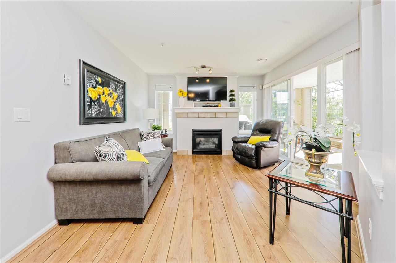 """Photo 6: Photos: 114 6336 197 Street in Langley: Willoughby Heights Condo for sale in """"Rockport"""" : MLS®# R2288453"""
