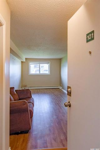 Photo 8: 101 525 X Avenue South in Saskatoon: Meadowgreen Residential for sale : MLS®# SK863626