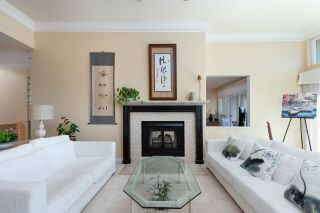 """Photo 9: 2378 FOLKESTONE Way in West Vancouver: Panorama Village Townhouse for sale in """"Westpointe"""" : MLS®# R2572658"""