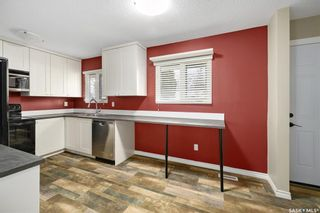 Photo 8: 35 120 Acadia Drive in Saskatoon: West College Park Residential for sale : MLS®# SK850229