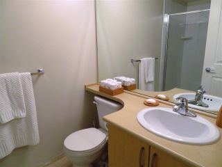 """Photo 11: 201 200 KLAHANIE Drive in Port Moody: Port Moody Centre Condo for sale in """"SALAL"""" : MLS®# R2222800"""