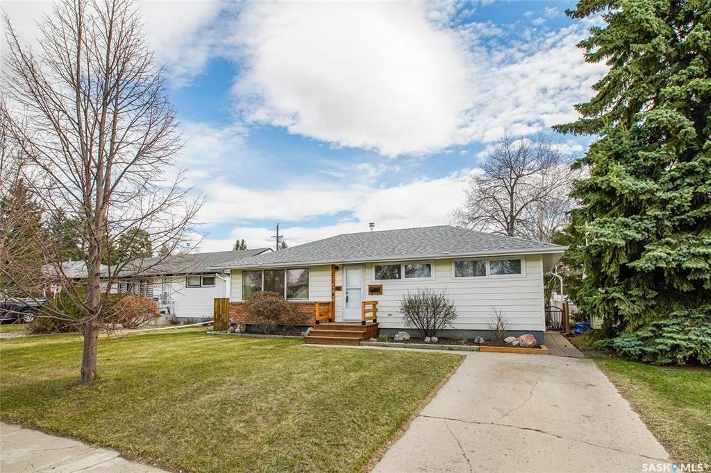 Main Photo: 2325 Dufferin Avenue in Saskatoon: Queen Elizabeth Residential for sale : MLS®# SK852354