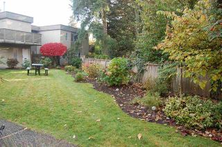 """Photo 19: 1203 PLATEAU Drive in North Vancouver: Pemberton Heights Townhouse for sale in """"Plateau Village"""" : MLS®# R2418766"""