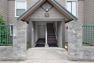 Photo 1: 2 622 FARNHAM Road in Gibsons: Gibsons & Area Condo for sale (Sunshine Coast)  : MLS®# R2570010