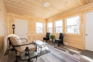 Photo 3: 31 Second Street West in Elma: Whitemouth Residential for sale (R18)  : MLS®# 202115929