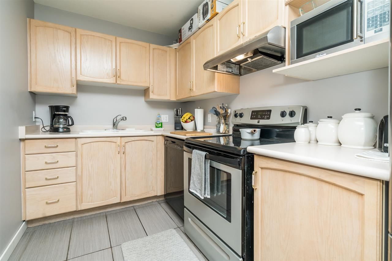"Photo 13: Photos: 301 2958 TRETHEWEY Street in Abbotsford: Abbotsford West Condo for sale in ""Cascade Green"" : MLS®# R2500512"