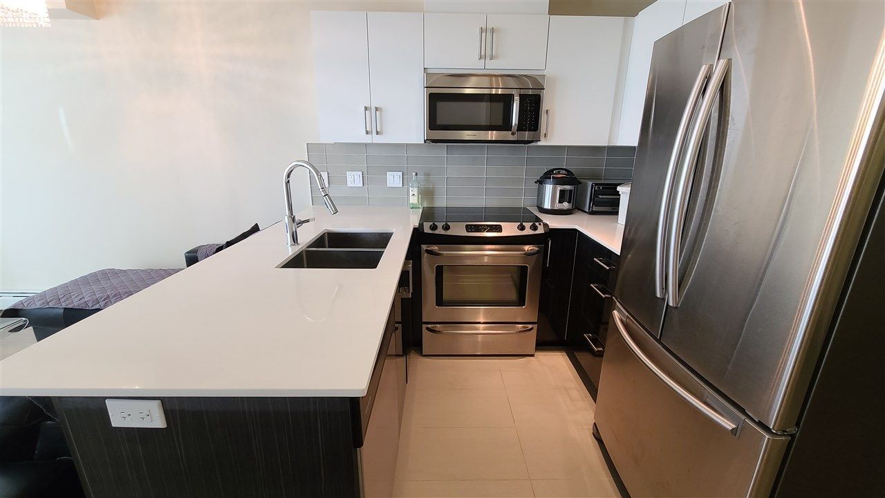 """Main Photo: 801 2689 KINGSWAY in Vancouver: Collingwood VE Condo for sale in """"Skyway Tower"""" (Vancouver East)  : MLS®# R2544413"""