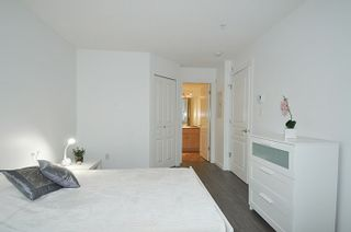 """Photo 8: 308 2968 SILVER SPRINGS Boulevard in Coquitlam: Westwood Plateau Condo for sale in """"TAMARISK"""" : MLS®# R2174996"""