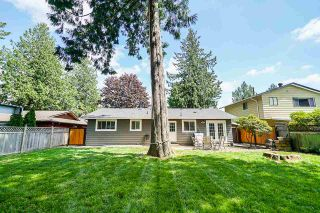 "Photo 17: 5901 ABERDEEN Street in Surrey: Cloverdale BC House for sale in ""Jersey Hills"" (Cloverdale)  : MLS®# R2383785"