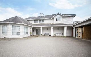 Photo 1: 11 46384 YALE Road in Chilliwack: Chilliwack E Young-Yale Townhouse for sale : MLS®# R2471041