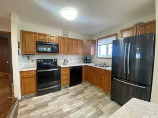 Photo 3: 205 62 24th Street in Battleford: Residential for sale : MLS®# SK864585