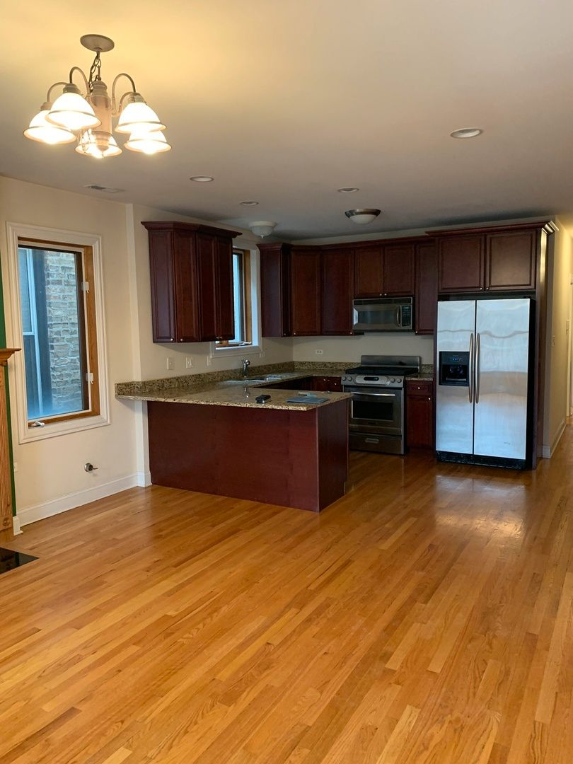 Photo 3: Photos: 2150 W Potomac Avenue Unit 2 in Chicago: CHI - West Town Residential Lease for lease ()  : MLS®# MRD10985870