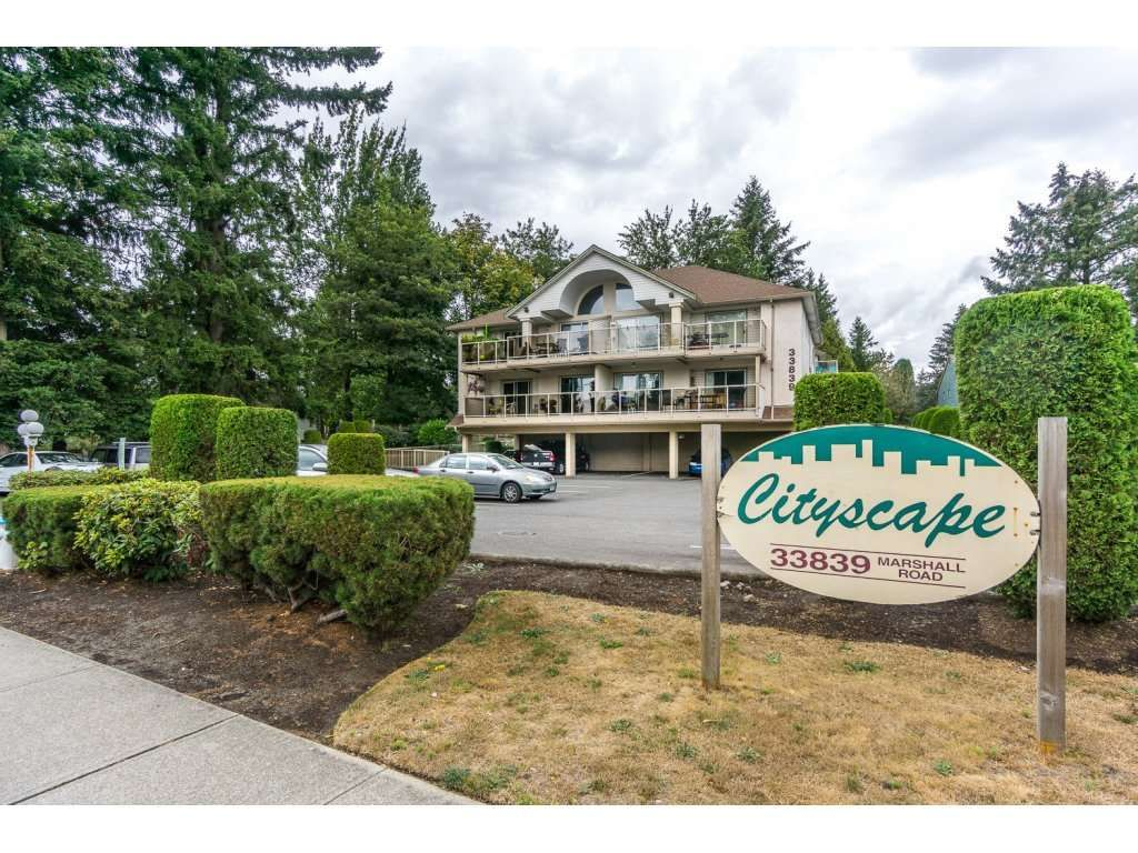 """Photo 1: Photos: 302 33839 MARSHALL Road in Abbotsford: Central Abbotsford Condo for sale in """"Cityscape"""" : MLS®# R2106369"""