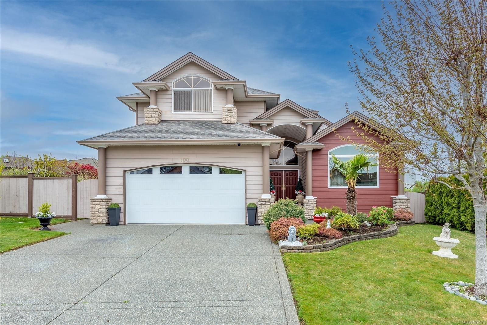 Main Photo: 100 Oregon Rd in : CR Willow Point House for sale (Campbell River)  : MLS®# 872573