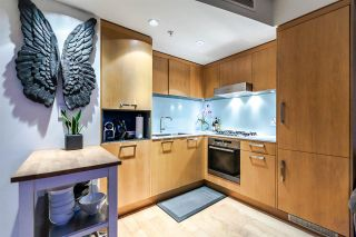 """Photo 4: 502 1565 W 6TH Avenue in Vancouver: False Creek Condo for sale in """"6TH & FIR"""" (Vancouver West)  : MLS®# R2157219"""