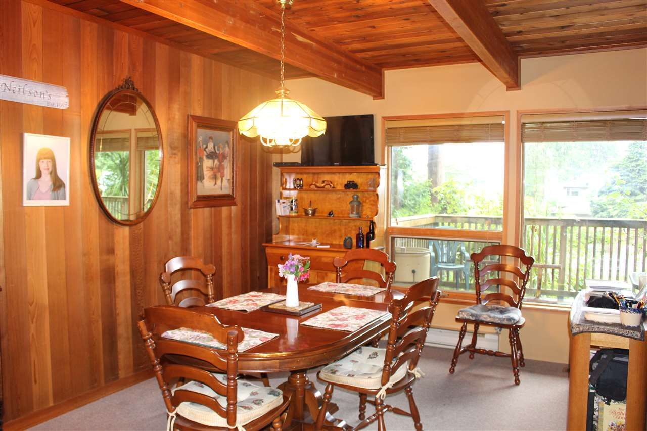 """Photo 10: Photos: 7628 EUREKA Place in Halfmoon Bay: Halfmn Bay Secret Cv Redroofs House for sale in """"WELCOME WOODS"""" (Sunshine Coast)  : MLS®# R2172913"""