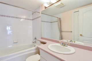 Photo 13: 304 1929 154 STREET in Surrey: King George Corridor Condo for sale (South Surrey White Rock)  : MLS®# R2486337