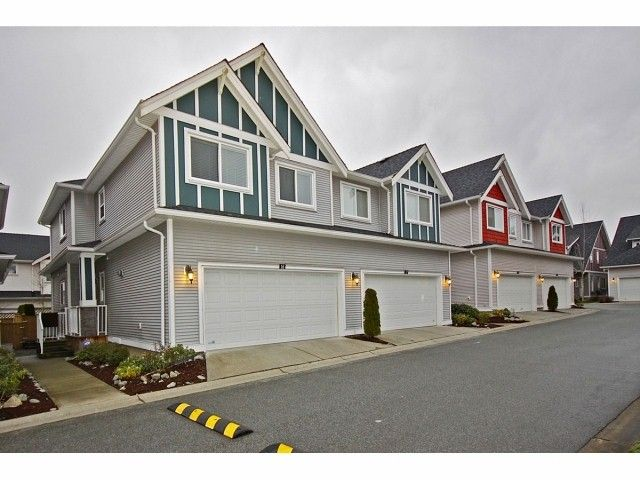 "Main Photo: # 16 19977 71ST AV in Langley: Willoughby Heights Townhouse for sale in ""Sandhill Village"" : MLS®# F1301226"