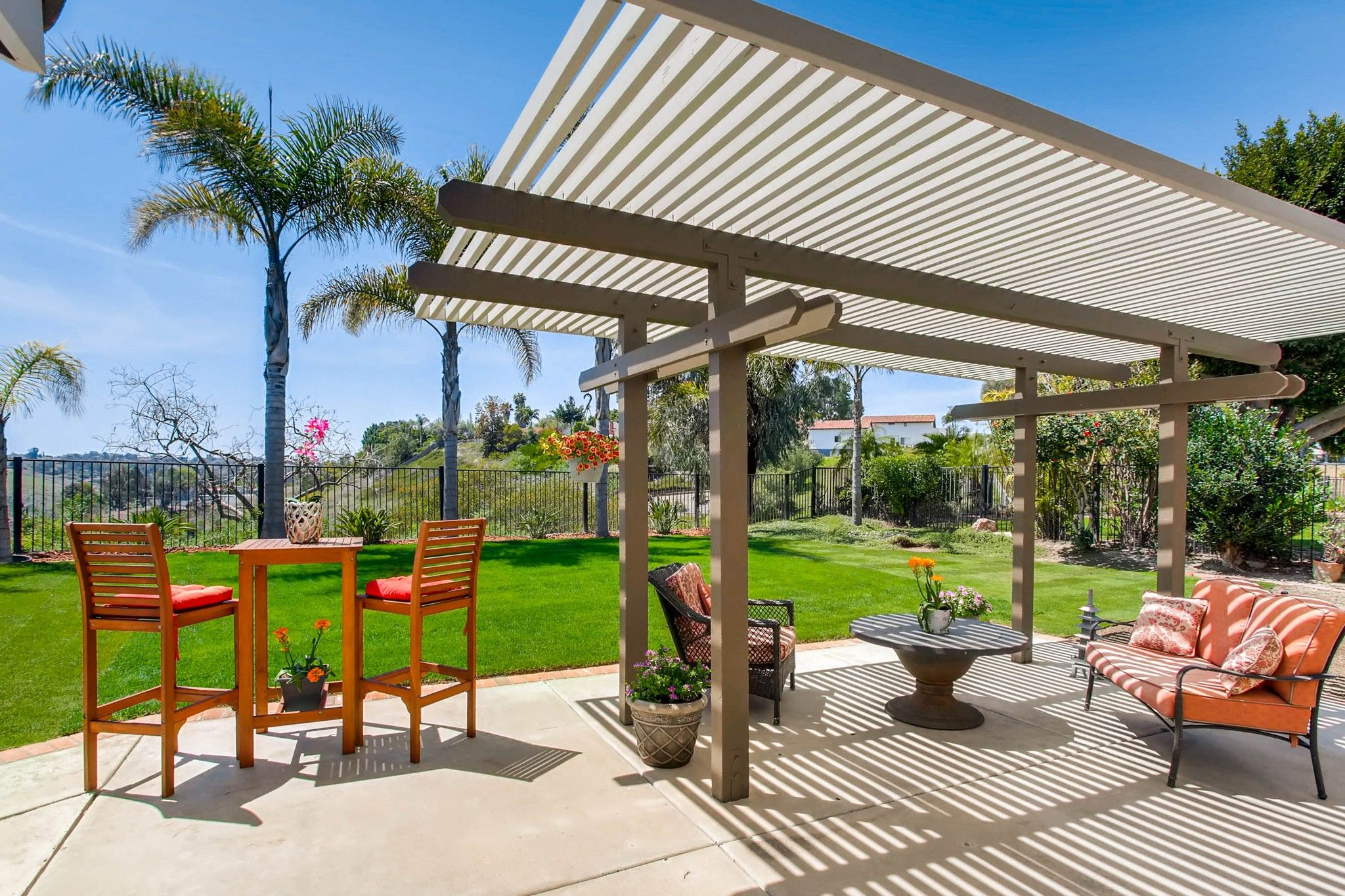 Photo 4: Photos: House for sale (San Diego)  : 5 bedrooms : 3341 Golfers Dr in Oceanside