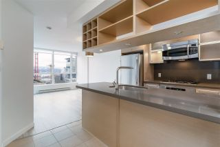"""Photo 15: 2401 833 SEYMOUR Street in Vancouver: Downtown VW Condo for sale in """"CAPITAL RESIDENCES"""" (Vancouver West)  : MLS®# R2544420"""