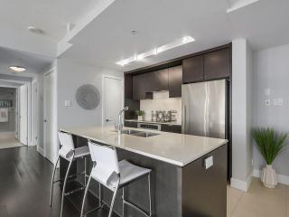 Photo 10: Luxury Living in Central Lonsdale!