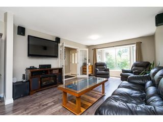 Photo 9: 26459 32A Avenue in Langley: Aldergrove Langley House for sale : MLS®# R2598331