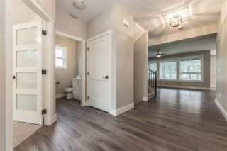 """Photo 4: 52764 STONEWOOD Place in Rosedale: Rosedale Popkum House for sale in """"Stonewood"""" : MLS®# R2383488"""