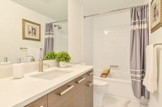 """Photo 17: 307 33540 MAYFAIR Avenue in Abbotsford: Central Abbotsford Condo for sale in """"RESIDENCES AT GATEWAY"""" : MLS®# R2527416"""