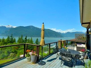 Photo 2: 18 SALAL Court: Furry Creek House for sale (West Vancouver)  : MLS®# R2556726