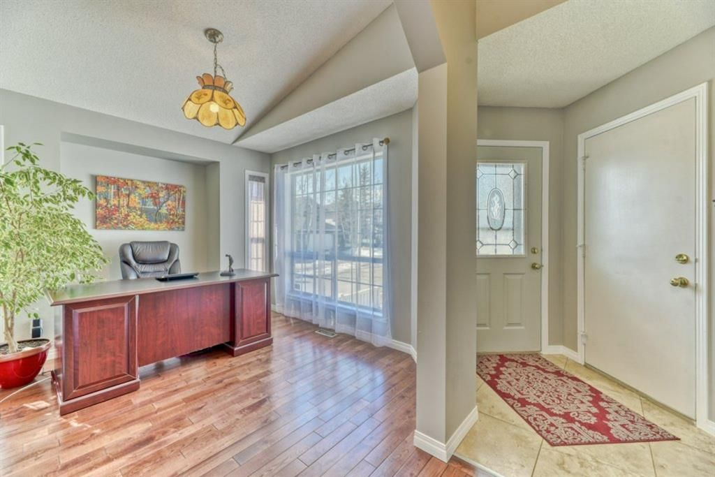 Photo 17: Photos: 245 Citadel Crest Park NW in Calgary: Citadel Detached for sale : MLS®# A1088595