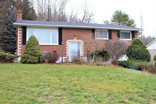 Photo 1: 3599 Kennedy Road in Camborne: House for sale : MLS®# 40051469